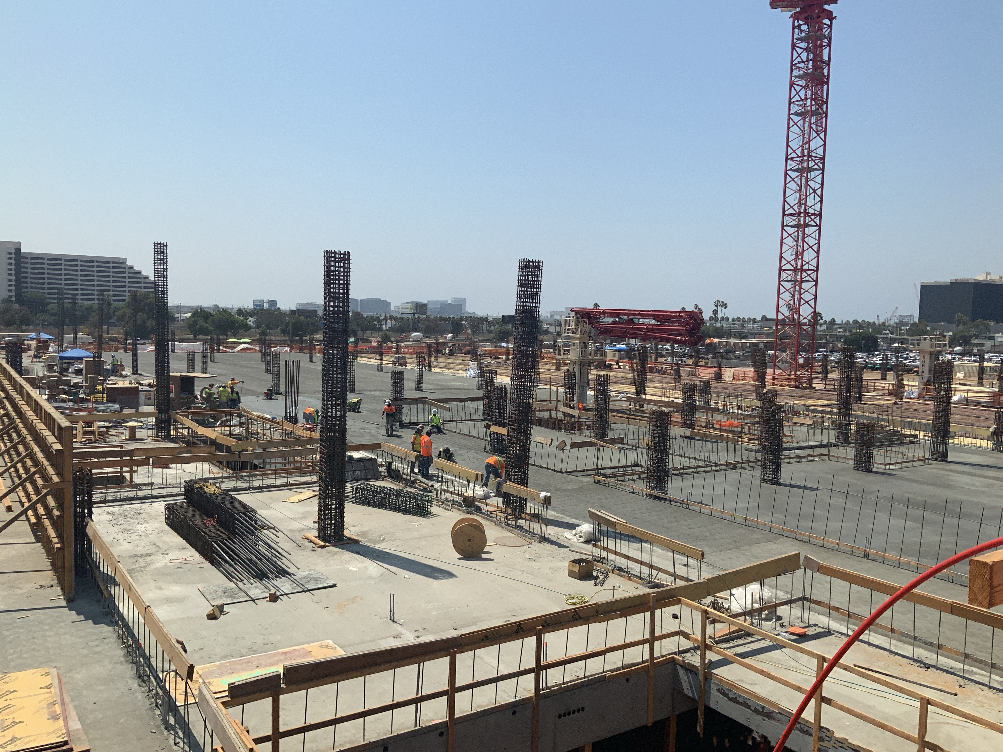Post pour second level deck at the Consolidated Rent-A-Car facility Ready Return/Idle Storage building.